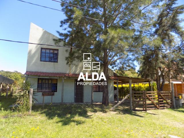 Casas en venta en calle 5 y 17 001 playa hermosa for Jardin 4 maldonado