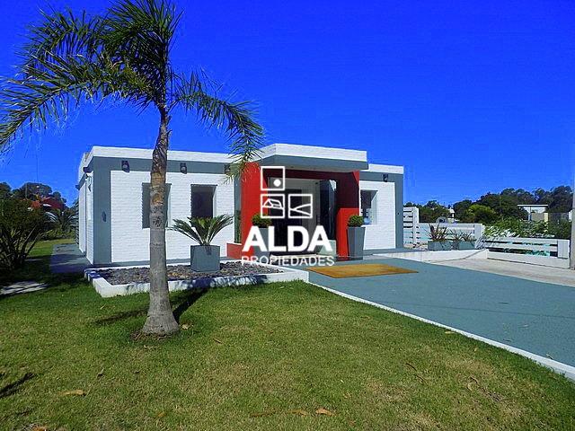 Casas en venta en maldonado piri polis playa grande for Jardin 4 maldonado