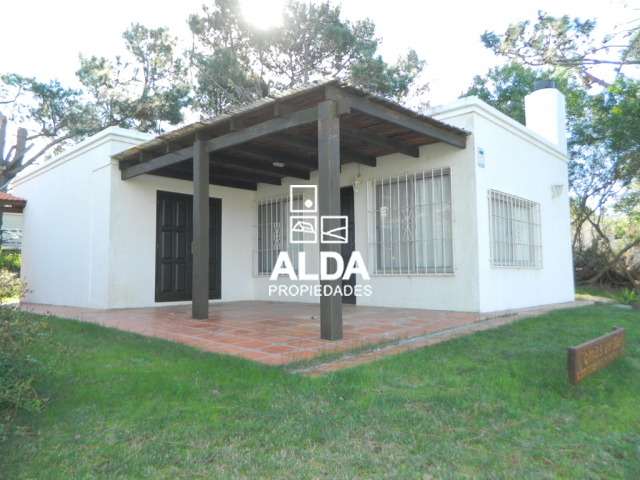Casas en venta en maldonado piri polis punta colorada for Jardin 4 maldonado